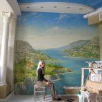 Художественная роспись на стене.