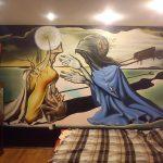 Роспись в спальной сюрреализм